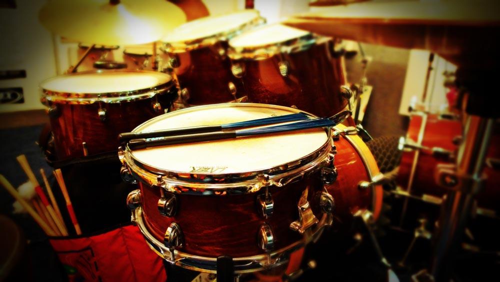 mickbeats - Schlagzeugunterrichtsraum mit Premier Artist Heritage Drumset
